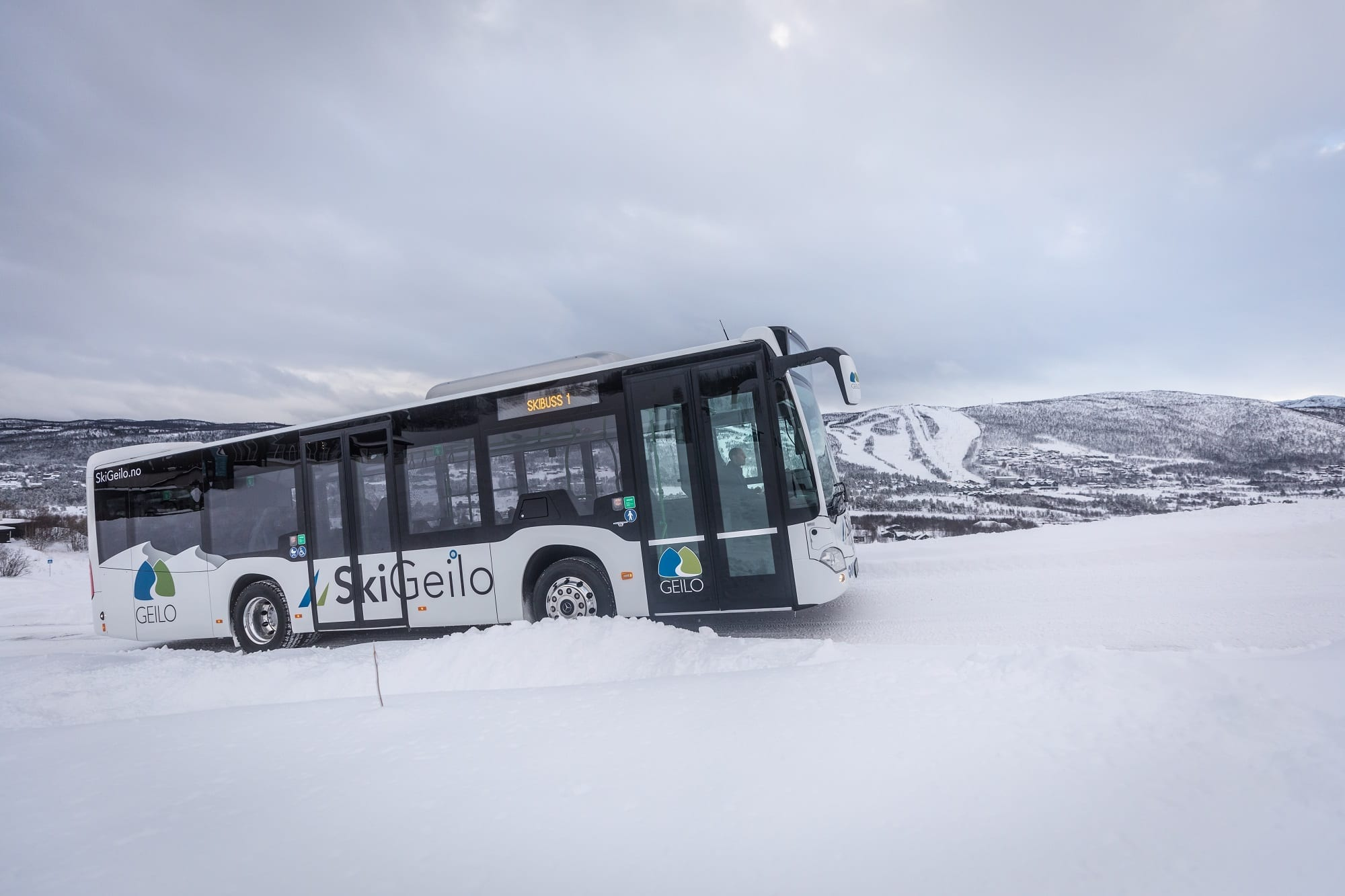 PAL-1627_skibuss1